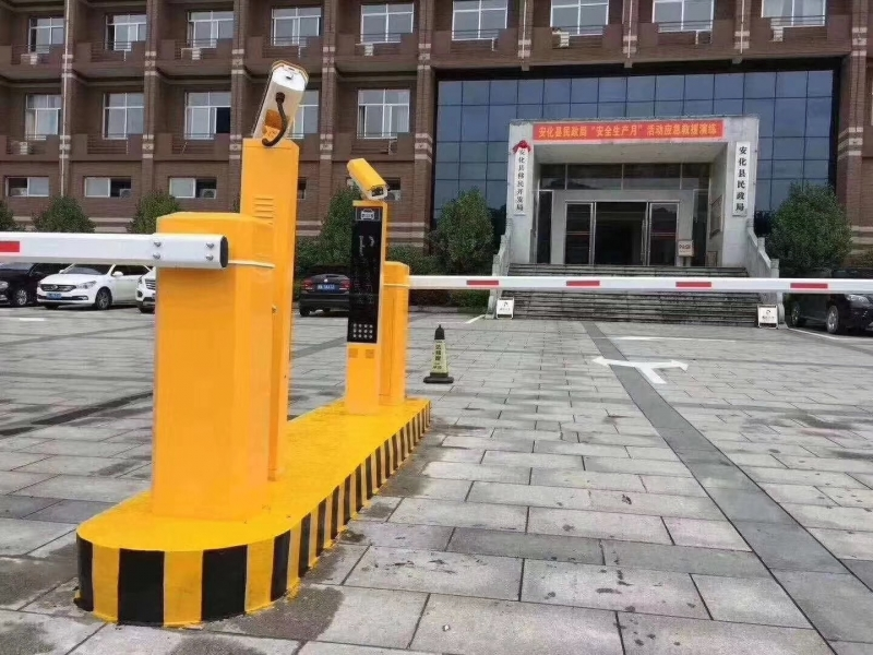 安化县民政局竖屏车牌识别系统